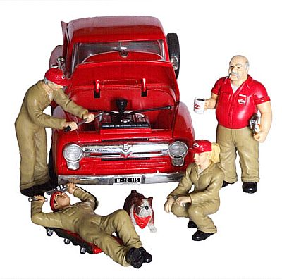 Busted Knuckle Garage Figurine set, Item #G1800121BK