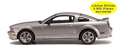 2005 Mustang Auto Show version by AutoArt item nr.73013