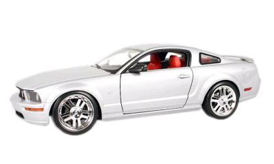 2005 Mustang GT coupe, silver by Hot Wheels item H3053