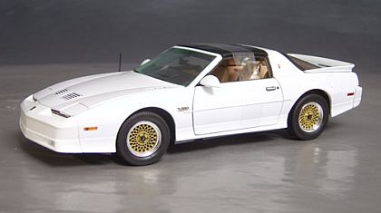 1989 Pontiac Trans Am TTA • White • Greenlight #GL12809