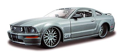 Mustang GT - Silver with Black stripes - Item #MAI39118