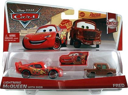 LIGHTNING McQUEEN with Sign & FRED • Disney•PIXAR CARS by theme • #Y0517